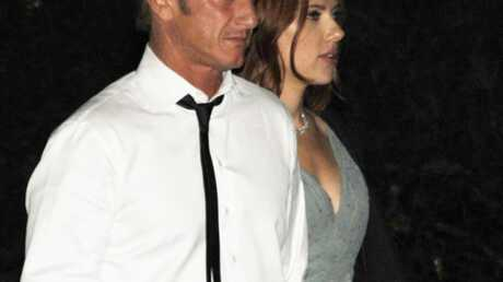 PHOTO Scarlett Johansson et Sean Penn: main dans la main