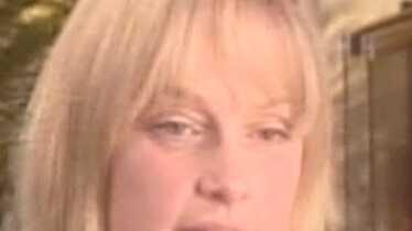Debbie Rowe porte plainte