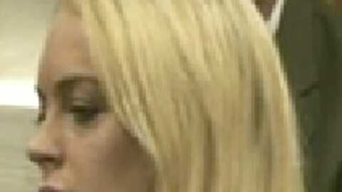 Lindsay Lohan conduite menottée en prison