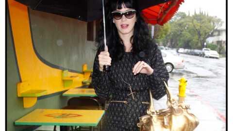 LOOK Katy Perry: jolie sous la pluie