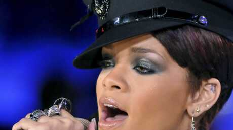 Rihanna accro aux bijoux bling bling