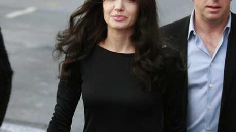 Angelina Jolie nue: les photos de ses fesses