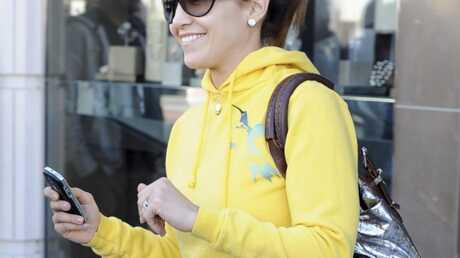 Jennifer Lopez dément les rumeurs et porte son alliance