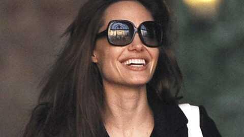 Angelina Jolie souriante à Venise avec son père Jon Voight