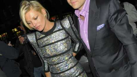 LOOK Kate Moss, retour vers le futur