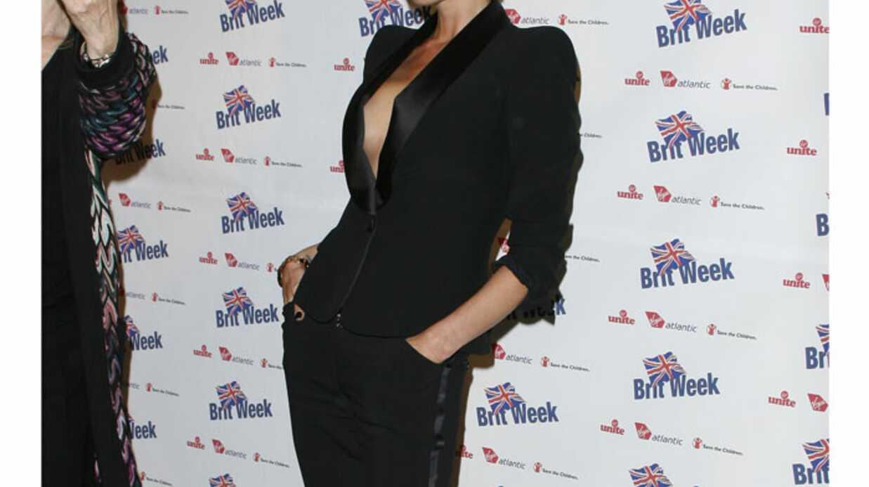 LOOK Victoria Beckham, glamour sans soutien-gorge