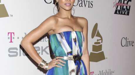 Rihanna: Chris Brown n'est pas seul à lui faire des cadeaux