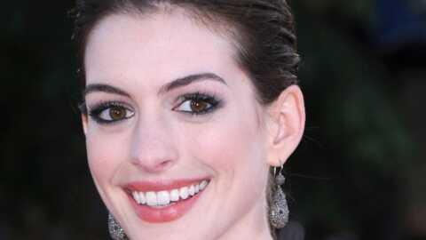 Anne Hathaway chante aussi bien qu'elle joue la comédie