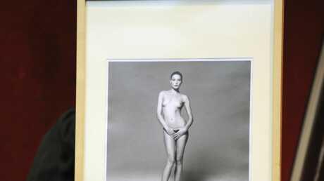 Carla Bruni-Sarkozy: 6 000 euros la photo nue