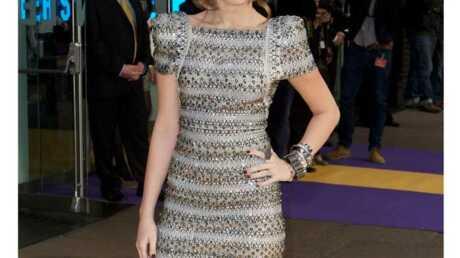 LOOK Miley Cyrus passe de lolita à femme glamour et sexy