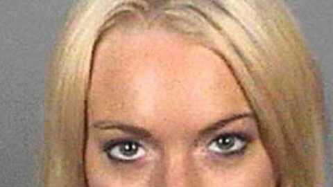 Lindsay Lohanressort de l'ombre grâce à la prison
