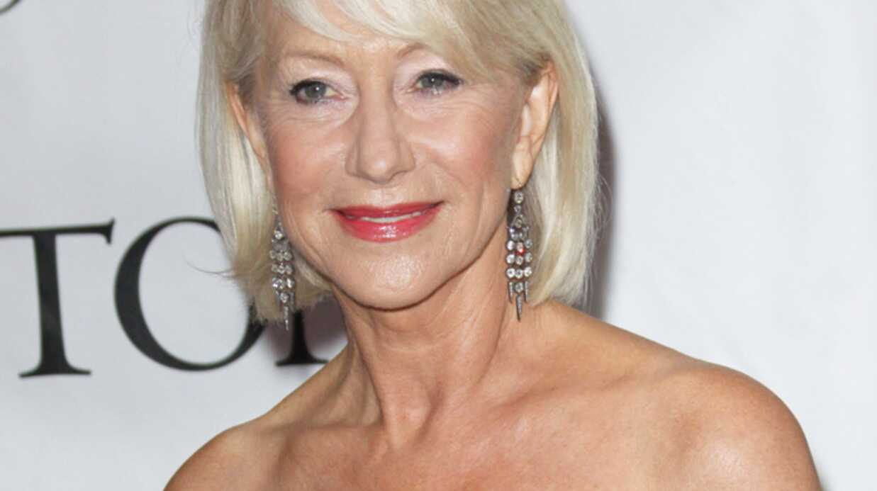 helen mirren pose nue 65 ans voici. Black Bedroom Furniture Sets. Home Design Ideas