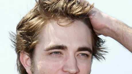 Le sexy Robert Pattinson aurait trouvé une petite-amie à Cannes
