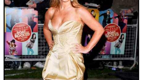 LOOK – Geri Halliwell en petite robe dorée