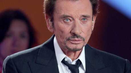 Johnny Hallyday hospitalisé à cause de douleurs dorsales