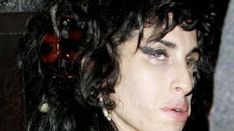 Amy Winehouse aurait frappé une femme