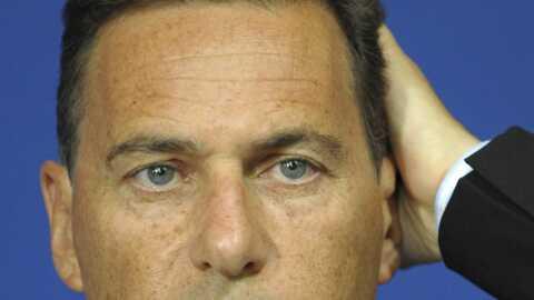 Eric Besson attaque Bakchich en diffamation