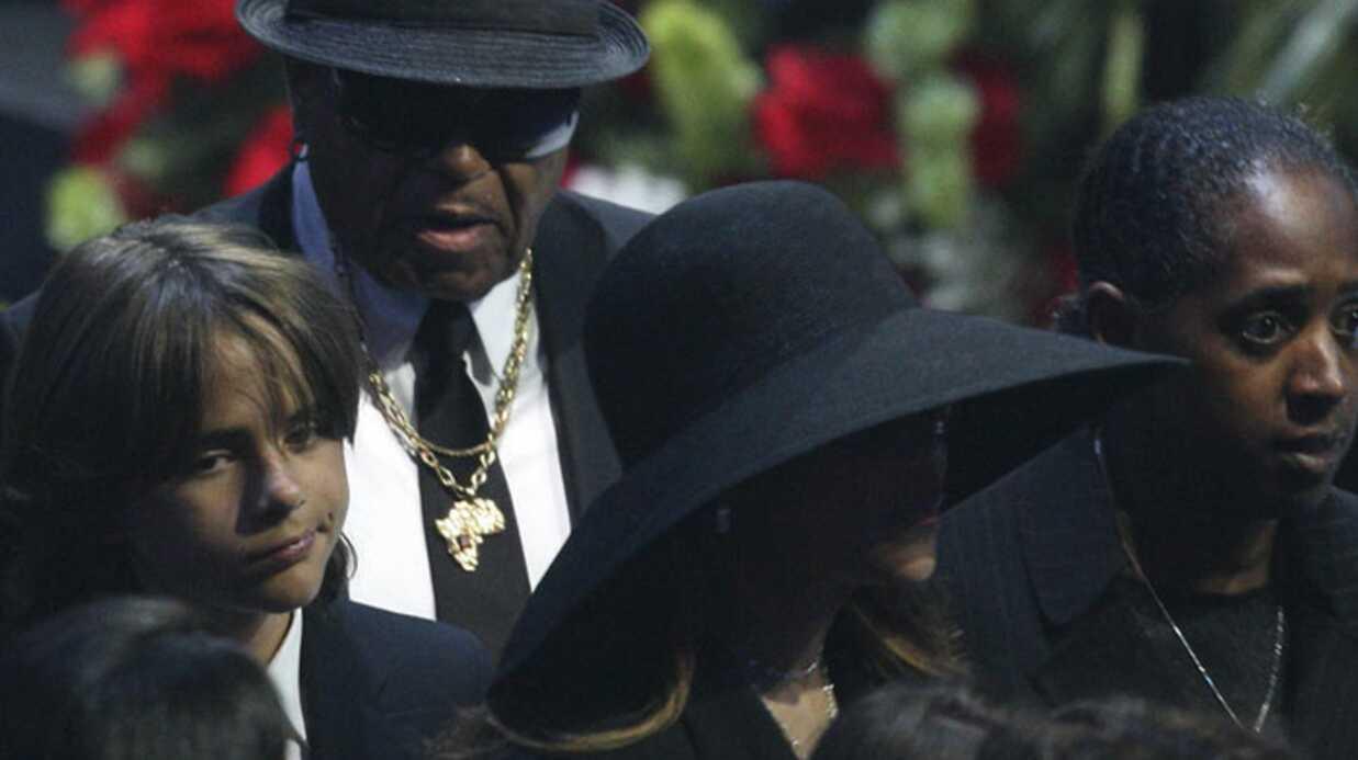 Michael Jackson: réaction de la famille après l'autopsie
