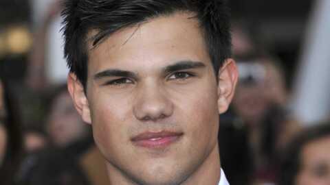Taylor Lautner privé de caravane de luxe: il attaque