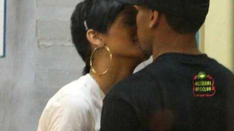 Rihanna  La mère de Chris Brown confirme