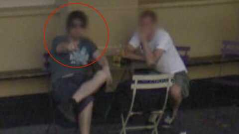 Liam Gallagher: sur Google Street View avec une pinte