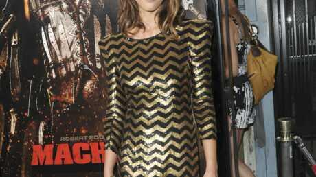 LOOK Jessica Alba brillante à l'avant-première de Machete