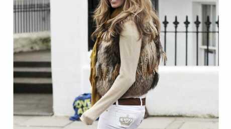 LOOK Elle Mcpherson habillée par Posh