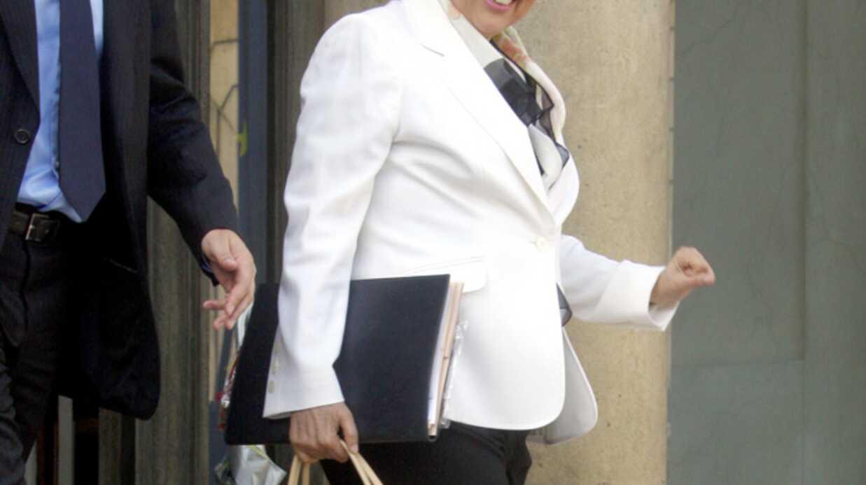 Roselyne Bachelot en crocs au Conseil des Ministres