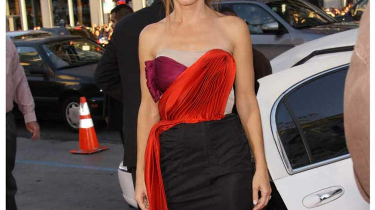 LOOK Sandra Bullock: drôle de robe pour une avant-première