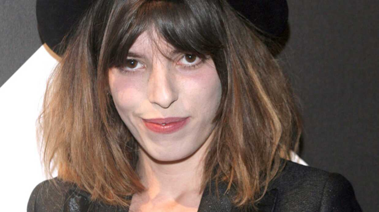 Lou Doillon Topless dans Play­boy