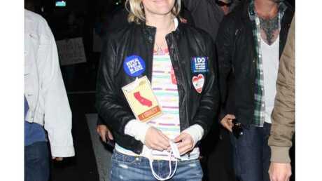 LOOK Drew Barrymore: très décontractée pour manifester