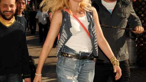 LOOK Gwen Stefani: du style, même avec n'importe quoi sur le dos