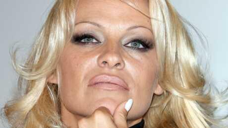 Pamela Anderson Abracadabra!