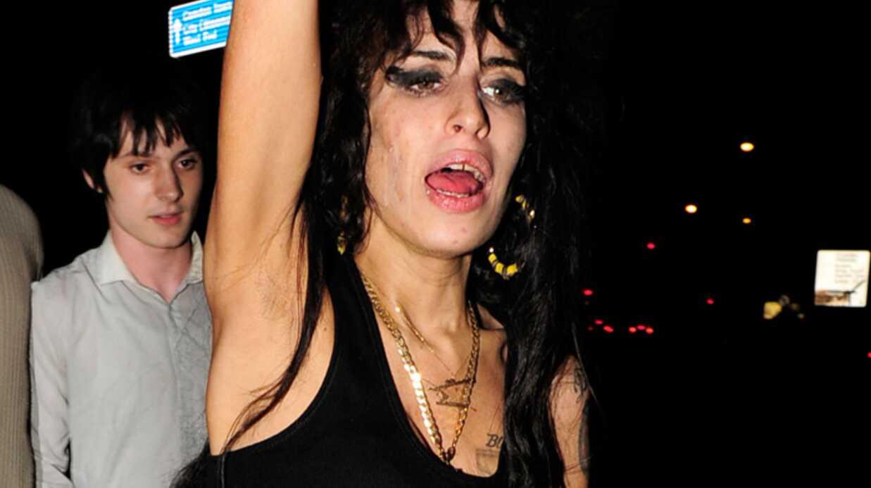 Amy Winehouse doit quitter Londres