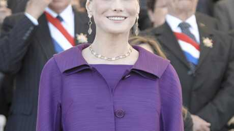 Carla Bruni se confie à Vanity Fair