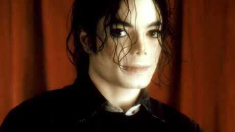 Un gant de Michael Jackson vendu 154 000 euros