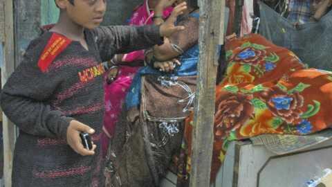 Danny Boyle offre un toit à deux enfants de Slumdog Millionaire