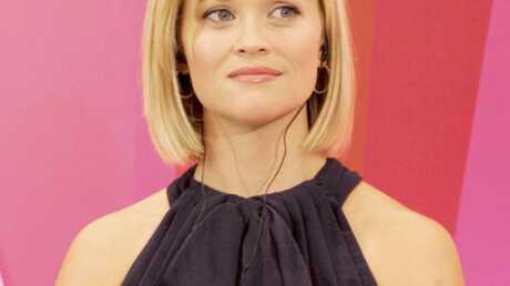 Reese Witherspoon collecte des fonds pour les femmes battues