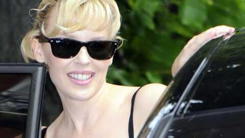 Kylie Minogue a trouvé un fan en pleurs dans sa loge samedi soir