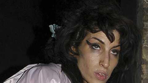 Amy Winehouse: ses amis la surveillent