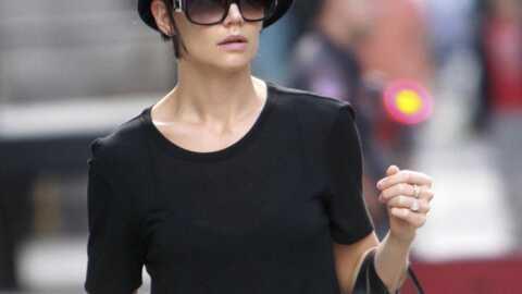 Katie Holmes gênée par une manifestation anti-scientologie