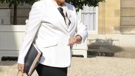 Roselyne Bachelot: ses Crocs vendues 699 euros