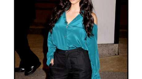 LOOK Kim Kardashian, ravissante en pantalon large