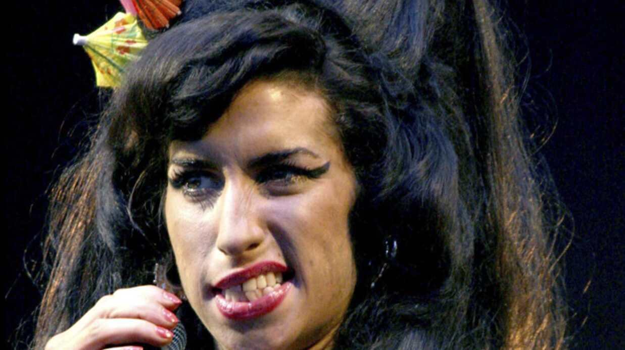 Amy Winehouse Retour à la clinique