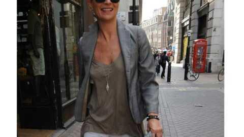 LOOK Kate Moss mise sur le gris et le beige