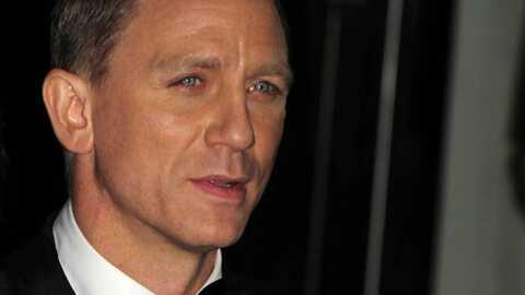 Quantum of Solace: James Bond soigne son sourire