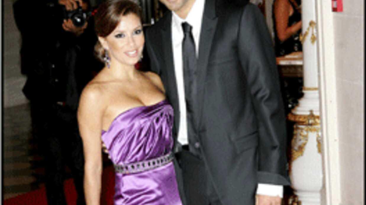EXCLU: Eva Longoria pose un lapin à Laurent Bignolas
