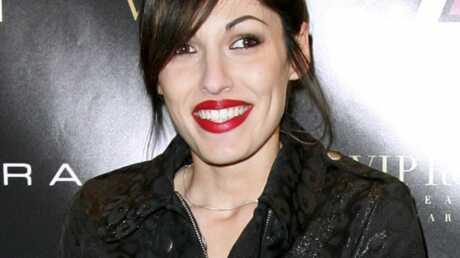 Jennifer Ayache de Superbus roule pour Dracula