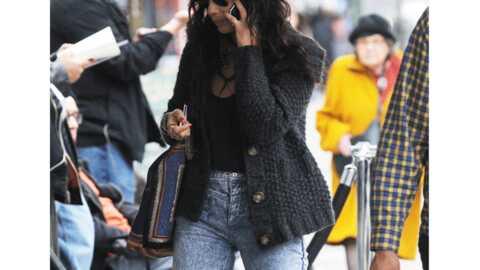 LOOK  Zoé Kravitz: le retour du jean neige
