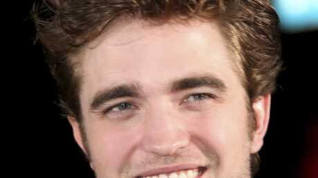 Robert Pattinson blessé! (avec du fil dentaire)
